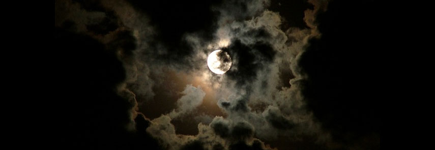 moon-and-clouds-1391835-639x464_edit